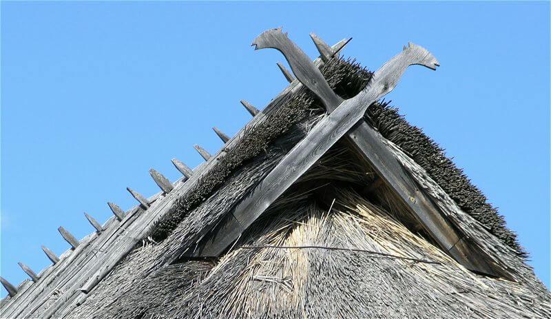 Руна Одал на старых избах